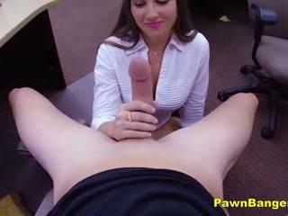 Caldi milf takes un enorme cazzo su suo stretta vulva per contante