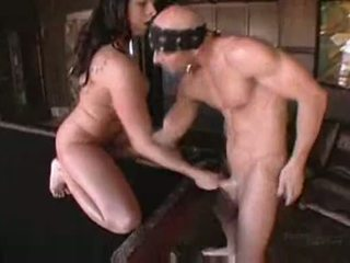 Gianna michaels uz boobstravaganza 9