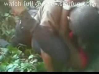Wymuszony pieprzyć w las