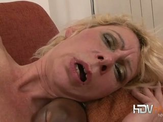 Blonda matura nailed în the fund de mare negru pula