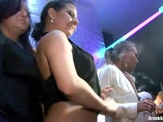 Bibi fox і її lusty girlfriends мати жорсткий секс