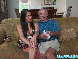 Jana teabags geriatric then sucks his sik: mugt hd porno b4