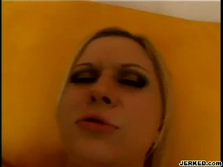 Блондин aaralyn barra receives її туга hole pounded жорсткий