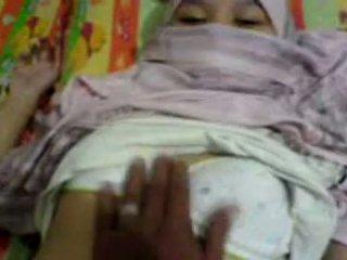 Warga asia gadis dalam hijab meraba & preparing kepada mempunyai seks