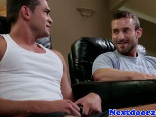 Muscular homo jock pounding stretta culo