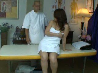 Jauns sieva reluctant orgasms laikā veselība masāža