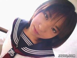 Teenaged ιαπωνικό φοιτήτρια gives αυτήν πρώτα cocksuck