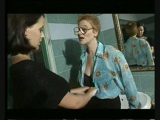 Italiýaly groupsex at bar video