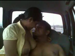 Indien couple voiture sexe vidéo