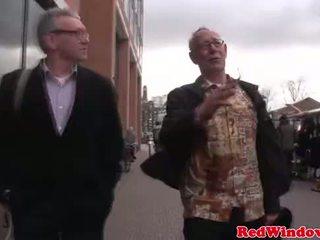 实 妓女 cumswaps 同 一 脏 老 bastard