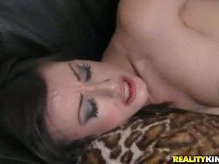 Nelabs wench jennifer baltie gets fucked grūti pirms getting drenched uz warm jizz