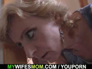 ブロンド 母 で 法律 タブー セックス