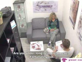 Čehi mammīte linda fisted