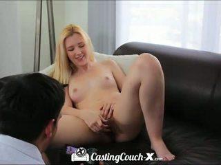 Кастинг диван x: горещ блондинки тийн прецака на кастинг