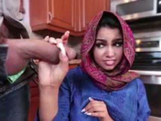 Брюнетка arab ada є filled з сперма