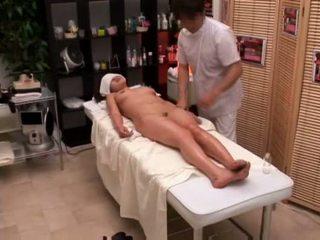 學院 女孩 seduced 由 masseur