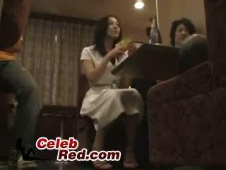 Μεθυσμένος/η ιαπωνικό κορίτσι πατήσαμε σε μπαρ τουαλέτα μεθυσμένος/η