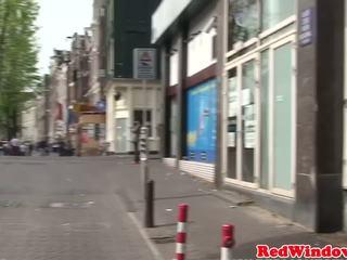 Holandské šľapka doggystyled zatiaľ čo v korzet