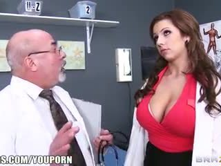 Brazzers - lylith lavey - does זה נראה ממשי?