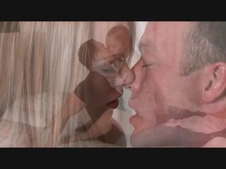 Seksowne blondynka receives duży kutas