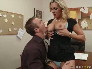 Angļi mammīte tanya tate having sekss uz the birojs video