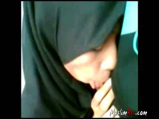 Indonsian hijab gf suçage dehors
