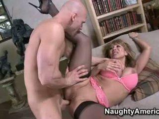 Seksi floozy ava devine likes getting cummed dalam beliau mulut selepas yang bagus hawt fuck