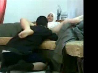 Arab ebrejiešu meitene uz birojs ar viņai klients