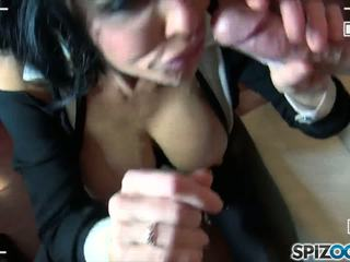 Two dudes are sharing uno curvy y sexy wench hoy