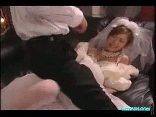 アジアの 女の子 で 結婚式 ドレス licked 吸い コック ファック 精液 t