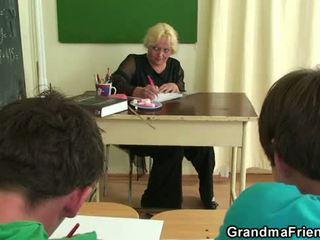 Old trojček v the učilnica