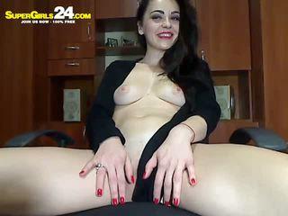 Super gorgeous brunette webcamgirl