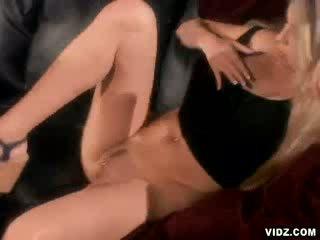 Seksuālā ielasmeita ciera sage augšup par anāls jāšanās