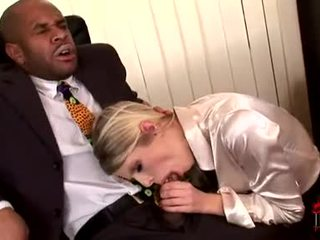 Darksome meat paramour wiska gags на a величезний чорна jock до getting її манда slammed