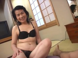 Mature asian whore loves sucking hairy dick