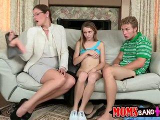 Pusaudze banged līdz māte