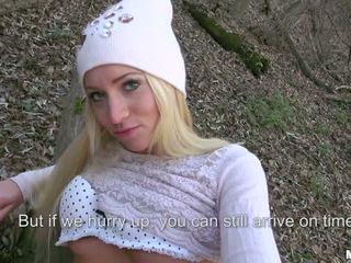 Öffentlich wählen ups mit ein chain rauchen blond flittchen