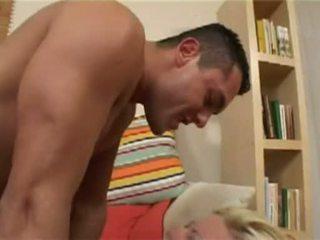Caliente nena nikki rubio receives su constricted coño rammed duro
