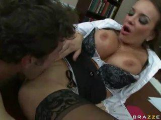 brunette, vol hardcore sex gepost, ideaal kleren seks