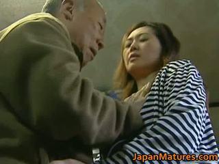 Príťažlivé milfs mať príťažlivé sex video