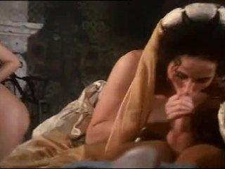 Regal orgie cu pieptoasa hottie sarah tineri
