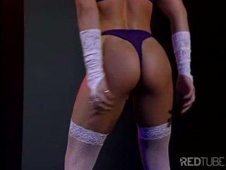 vaginale masturbatie neuken, nominale striptease neuken, controleren zwartharige klem
