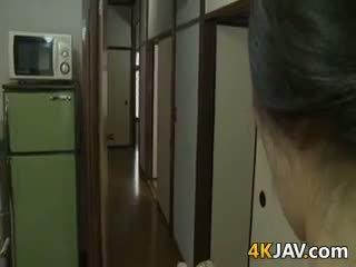 Πολύ καυλωμένος/η ιαπωνικό σύζυγος