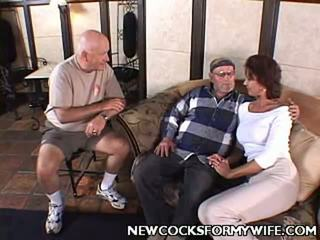 echt hoorndrager neuken, hq mengen thumbnail, heetste wife fuck