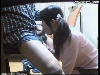 Japanilainen koulutyttö suullinen seksi tutorial