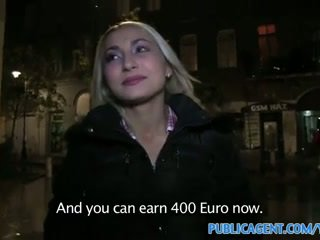 Publicagent sexig blondin med fast röv swallows cum