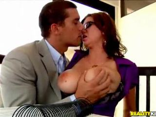 Large Titted Milf Sweetheart Likes To Suck Hard Cocks