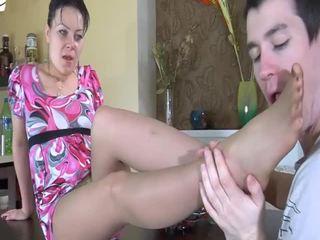 Матуся gets відтрахана по a молодий жорсткий пеніс