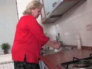 Fat granny in the Kitchen R20