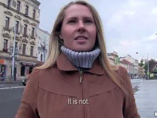 Eurobabe Zuzana banged for some money